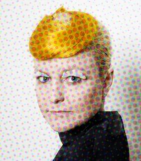 Sophie Rimheden med orange hår